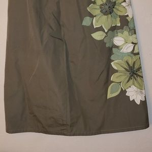 Liz Claiborne  skirt size 10 but fits small nwt